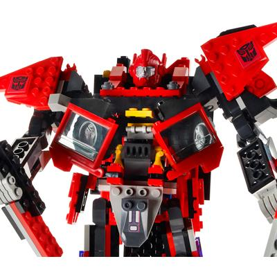 Holiday Gift Guide: KRE-O Transformers Sentinel Prime Set [Giveaway]
