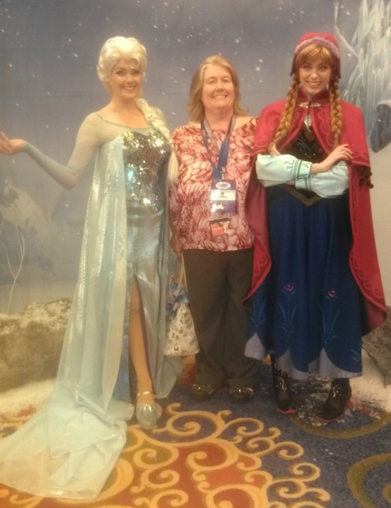 Disney Frozen Anna and Elsa Disneyland Disney Social Media Moms Conference #DisneySMMC #DSMMC
